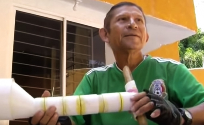 Man builds a USD $4 prosthesis using PVC pipe