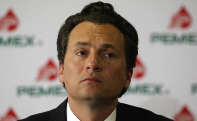 Mexican government blacklists former Pemex executive director