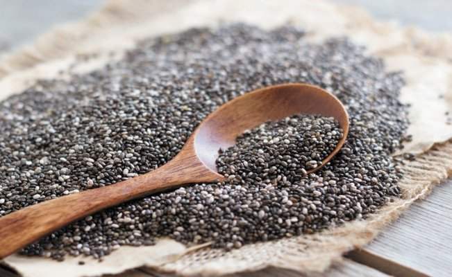 10 benefits of eating chia seeds