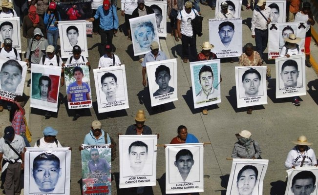 Ayotzinapa: Video shows federal authorities torturing suspect