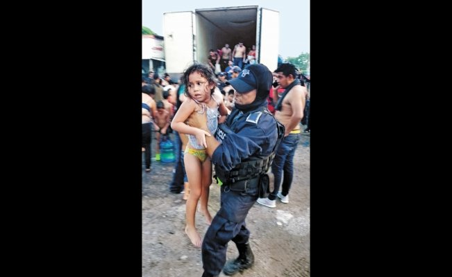 Mexican authorities rescue 134 migrants from closed box trailer