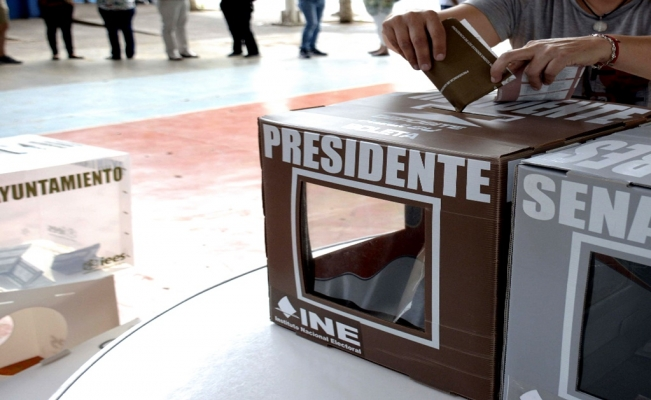 Mexico approves presidential recall vote
