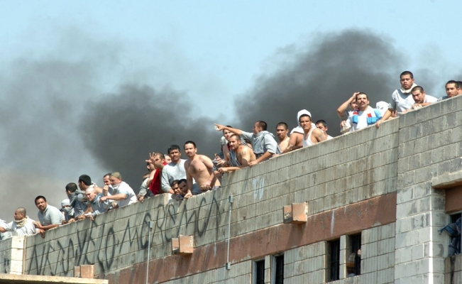 Mexican prisons: over 500 riots per year