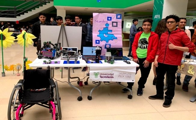 Mexican students create robotic hand for people with disabilities