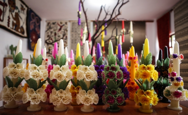 Candles, a tradition lighting new generations in Oaxaca