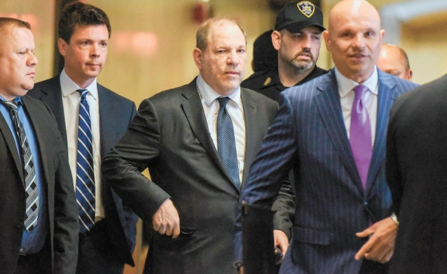 Abogados dejan a Harvey Weinstein