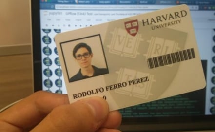 Mexican student develops a project in Harvard