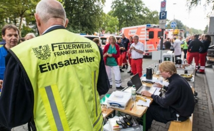 Germany: Techs defuse WWII bomb after massive evacuation