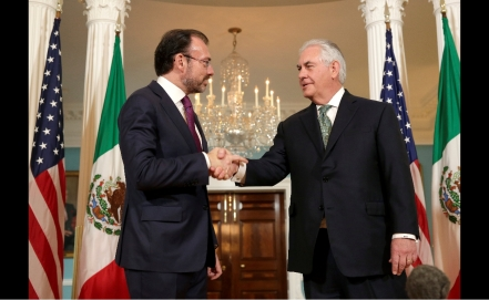 "U.S. ""ready to assist"" Mexico after quake and Katia"