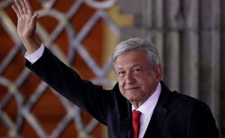"""Political rivals """"gang up"""" on AMLO during first presidential debate"""