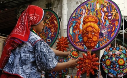 Mexican artisans sell crafts in Vatican City