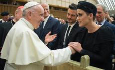 Katy Perry y Orlando Bloom saludan al Papa Francisco
