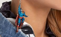 aretes Batman Superman Balenciaga