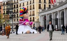 Giant Mexican doll 'Lele' travels to Spain and the UK