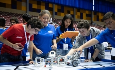 Mexican teams move on to FIRST Robotics Competition finals