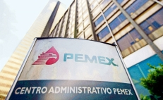 Mexico to cut Pemex tax bill, banks to refinance debt