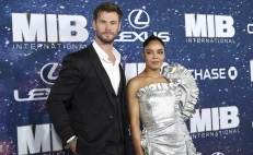 Chris Hemsworth y Tessa Thompson