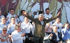 López Obrador returns to the border