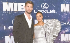 "Chris y Tessa, de fans a estrellas de ""Men in black"""