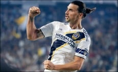 El notable error en el jersey de Zlatan