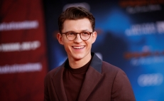 Tom Holland revela cuál es su traje favorito de Spider-Man