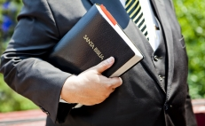 What is behind the growing power of Evangelical churches in Mexico?