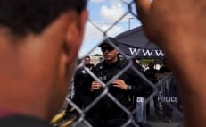 Migrants close U.S.-Mexico border bridge in protest