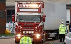 39 bodies found in truck container in Essex, England