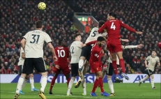 Liverpool sigue imparable y derrota al Manchester United