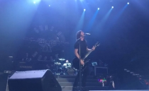 Dave Grohl toca con Guns N'Roses