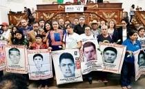AMLO meets with the parents of the 43 Ayotzinapa students