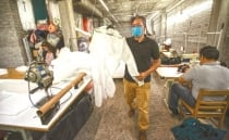 COVID-19: Mexican clothes factory produces suits to protect healthcare workers