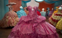 Mexican girl turns down quinceañera to help those affected by COVID-19