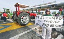 Mexican authorities remove protesters from toll booths in Nayarit after 8 months