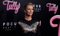 Charlize Theron sufrió depresión tras subir 22 kilos