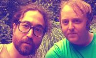 Sean Ono Lennon y James McCartney, hijos de John Lennon y Paul McCartney