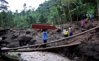Landslide in eastern Uganda kills several people, begins relocations