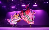Mexican Folkloric Ballet begins at the Bellas Artes theater