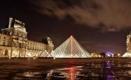 paseo nocturno gratis museo Louvre