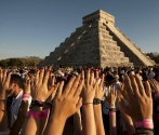 Mexican pyramids threatened by equinox enthusiasts