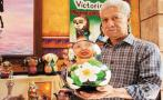 The artist and his dried calabashes as canvas