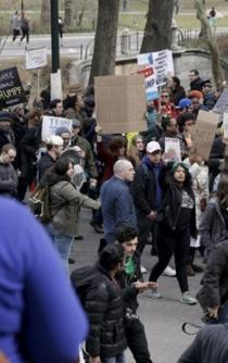 """Protesters in NYC denounce Trump's """"hate speech"""""""
