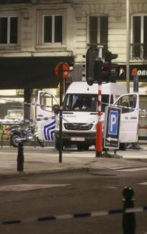 Man shot dead after knife attack on two soldiers in Brussels