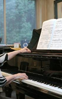 Pianist is awarded Mexico's Fine Arts Medal