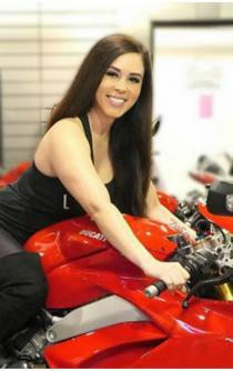 "Muere la ""instagramer"" motociclista Annette Carrion en un accidente"