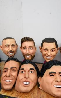 Masks of the best soccer players, made in Mexico