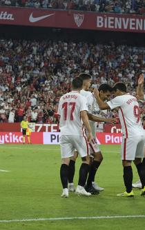Sevilla golea al Real Madrid