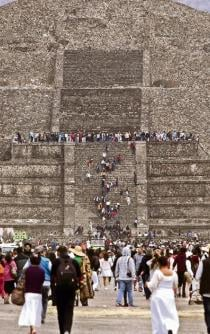 Secret chamber discovered under pyramid in Teotihuacán