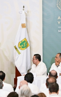 AMLO proposes job benefits for independent contractors in the health sector