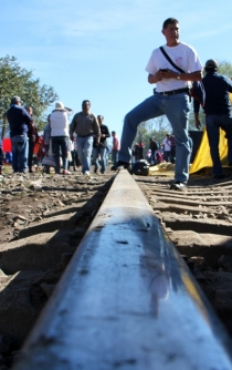 CNTE teachers union agrees to lift rail blockades in Michoacán
